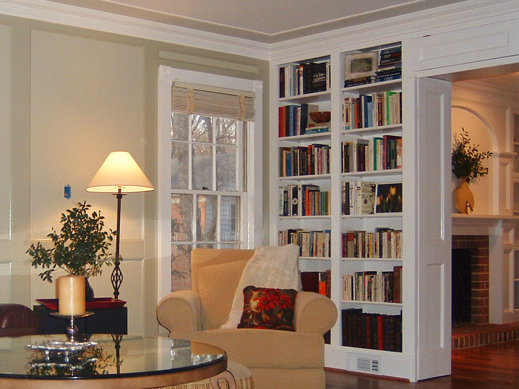 Custom Built-in Bookshelves for Archway